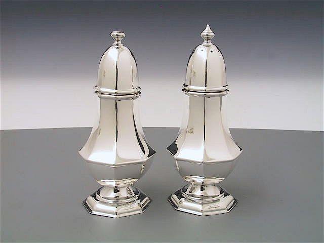 Silber Salz und Pfefferstreuer