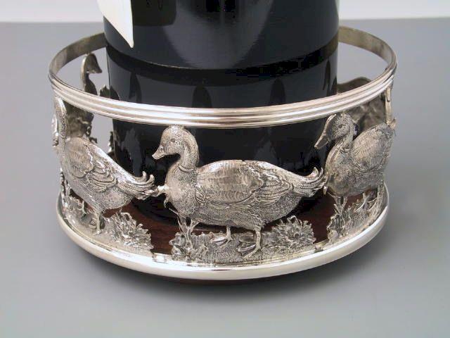 Flaschenuntersetzer Entenmotiv Silber