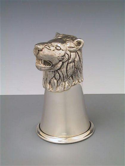 Löwenkopfbecher Silber